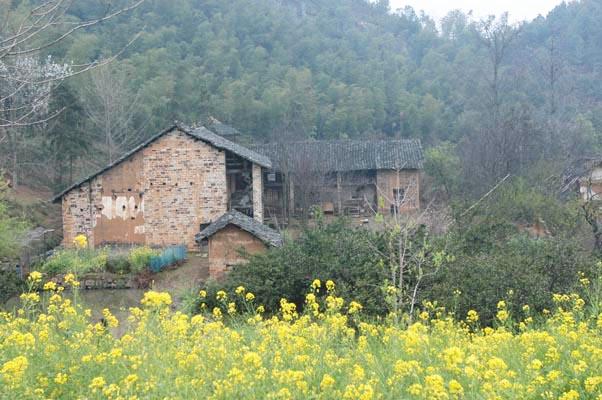 圖中建築為民房,文革期間寺宇被毀,居民遷入,在此定居。