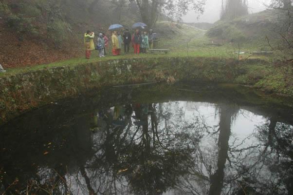 龍池本為天然湖泊,近年經人工修整。