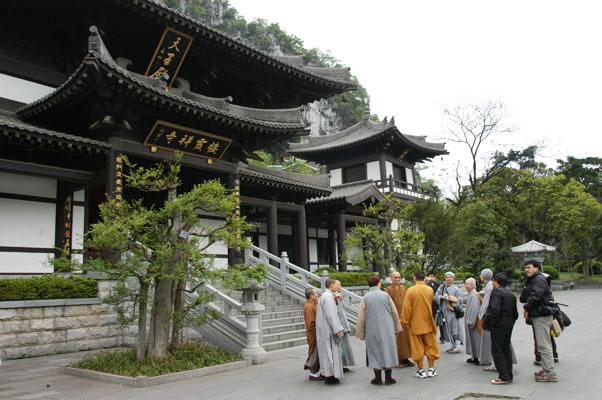 重建後的棲霞寺為唐式建築。