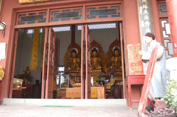 能仁寺(前廣西佛教會所) 大雄寶殿正門