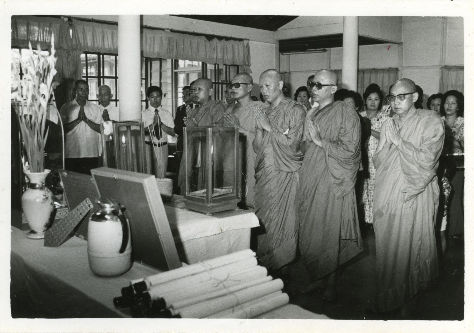 泰皇御贈佛像與東山寺